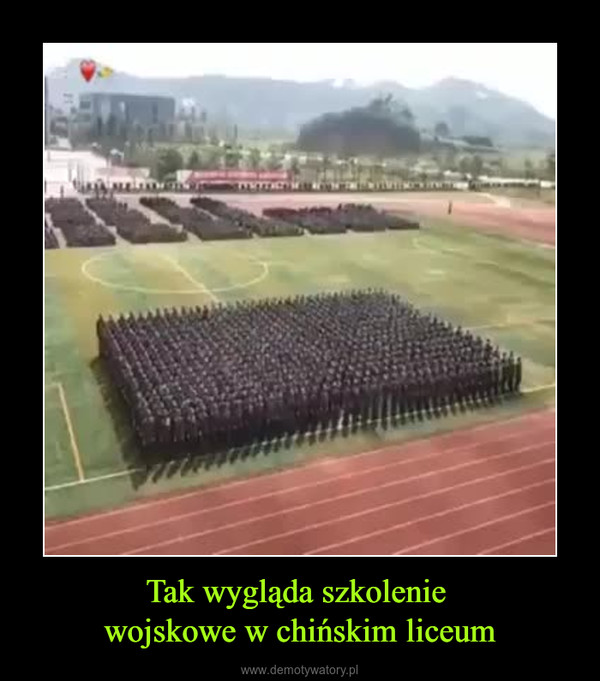Tak wygląda szkolenie wojskowe w chińskim liceum –